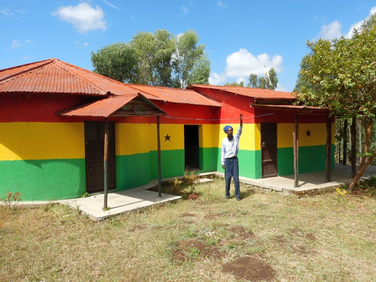 Le Temple Bobo Shanti Shashamane. Voyage Séjour Trek Trekking Randonnée Road Trip en Ethiopie Visite de la Région Oromia en Ethiopie. Shashamane.