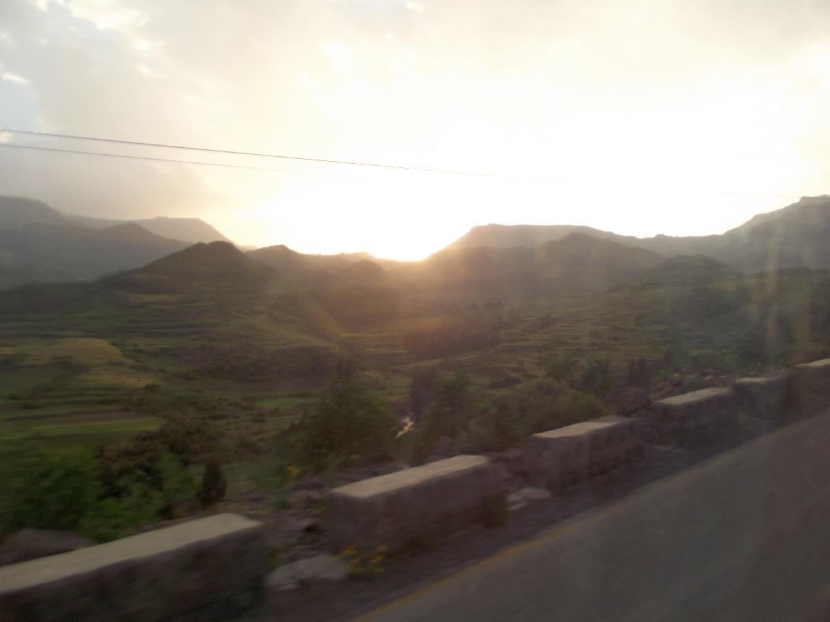 Trek et randonnée, Road Trip en Ethiopie, route d'Addis Abeba vers le Tigré en autocar
