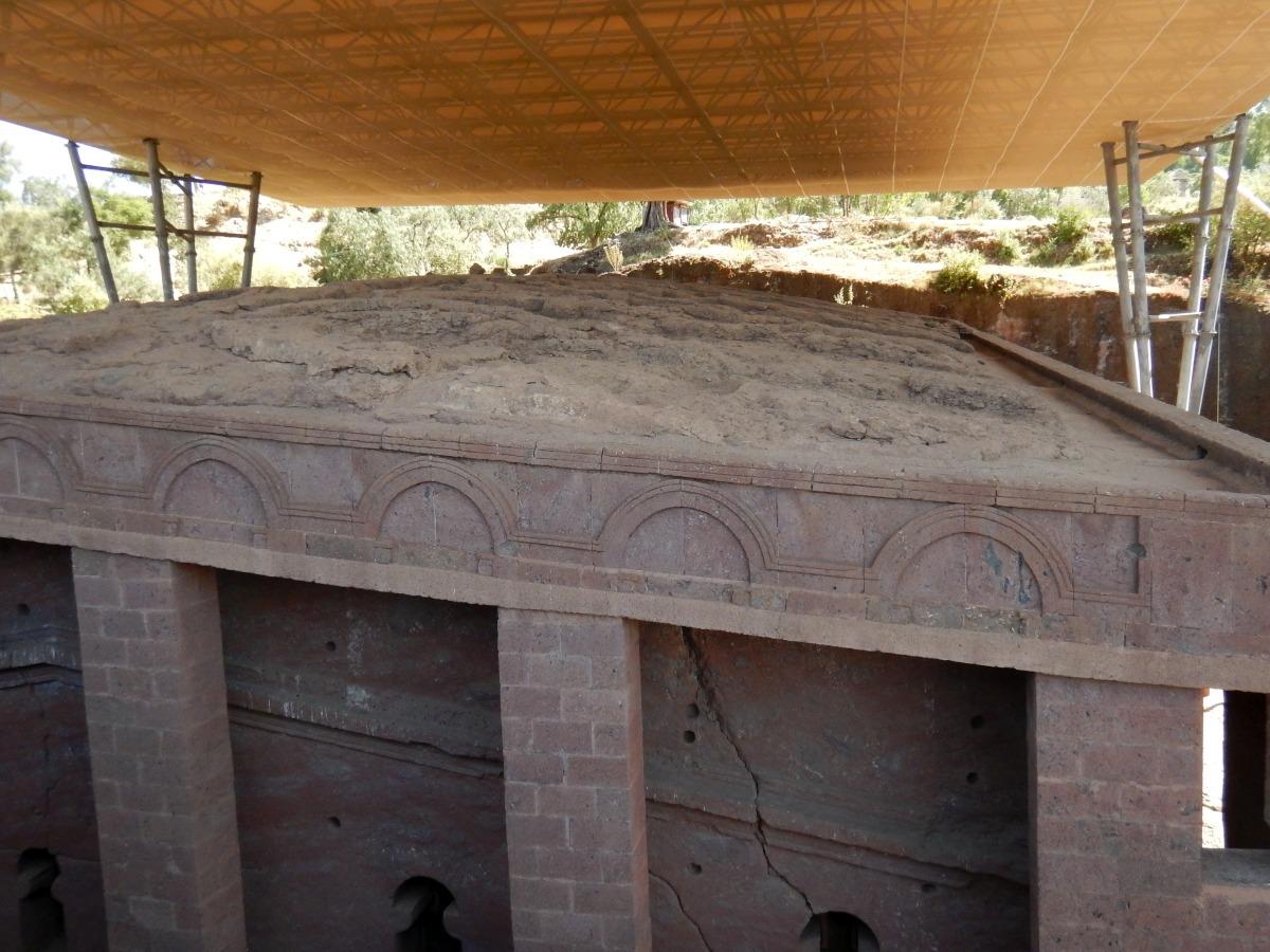 Visite de l'église Beta Medhane Alem de Lalibela en Ethiopie. Trek à  Lalibela Voyage Séjour Trekking Randonnée Road Trip en Ethiopie.