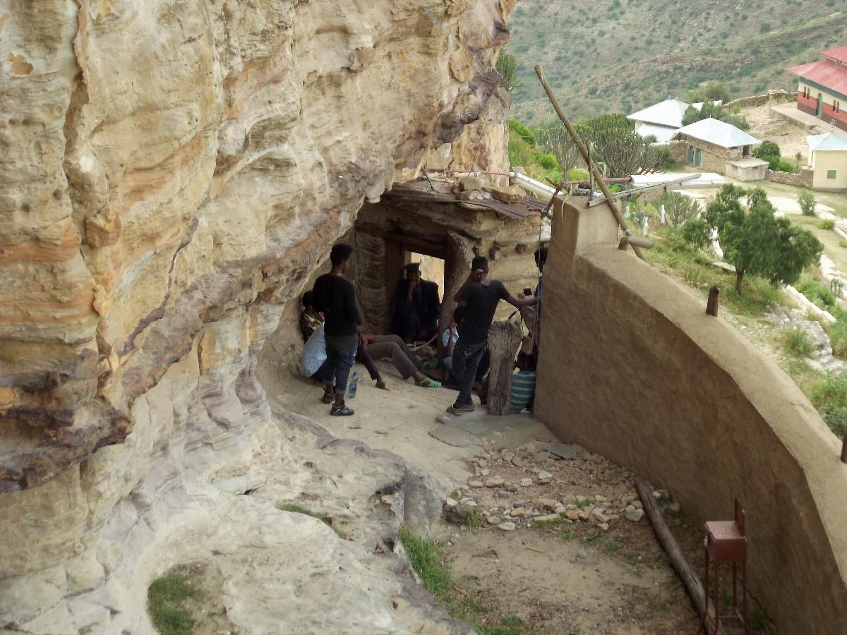 La porte par laquelle chacun doit passer en arrivant à l'Amba, le moine après vous avoir questionné sur votre foi vous accordera ou pas l'accès au Monastère de Dabra Damo
