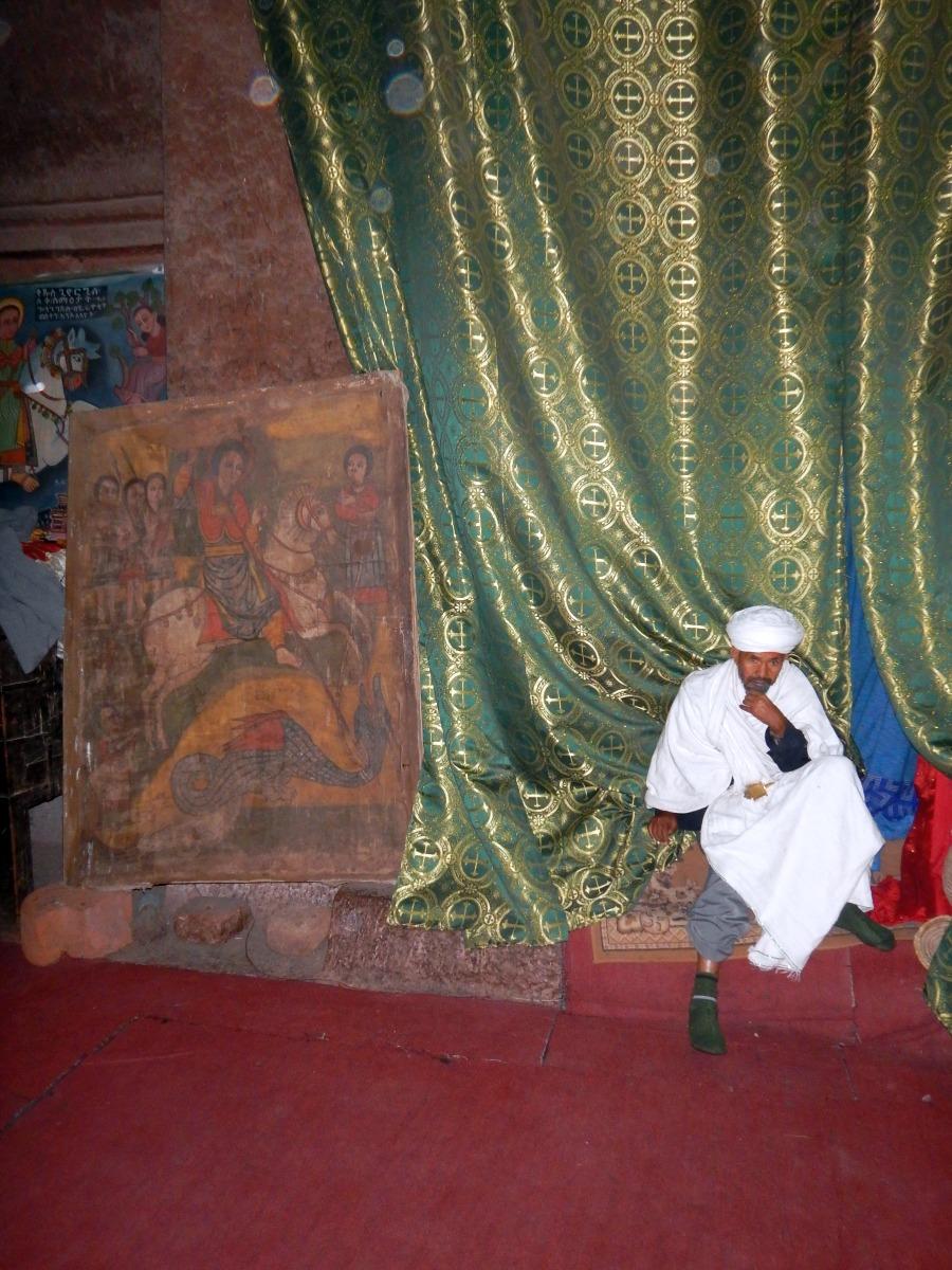 Icône sur peau datant de 600 ans. Visite de l'église St Georges /  Beta Ghiorgis de Lalibela en Ethiopie  Trek à  Lalibela Voyage Séjour Trekking Randonnée Road Trip en Ethiopie.