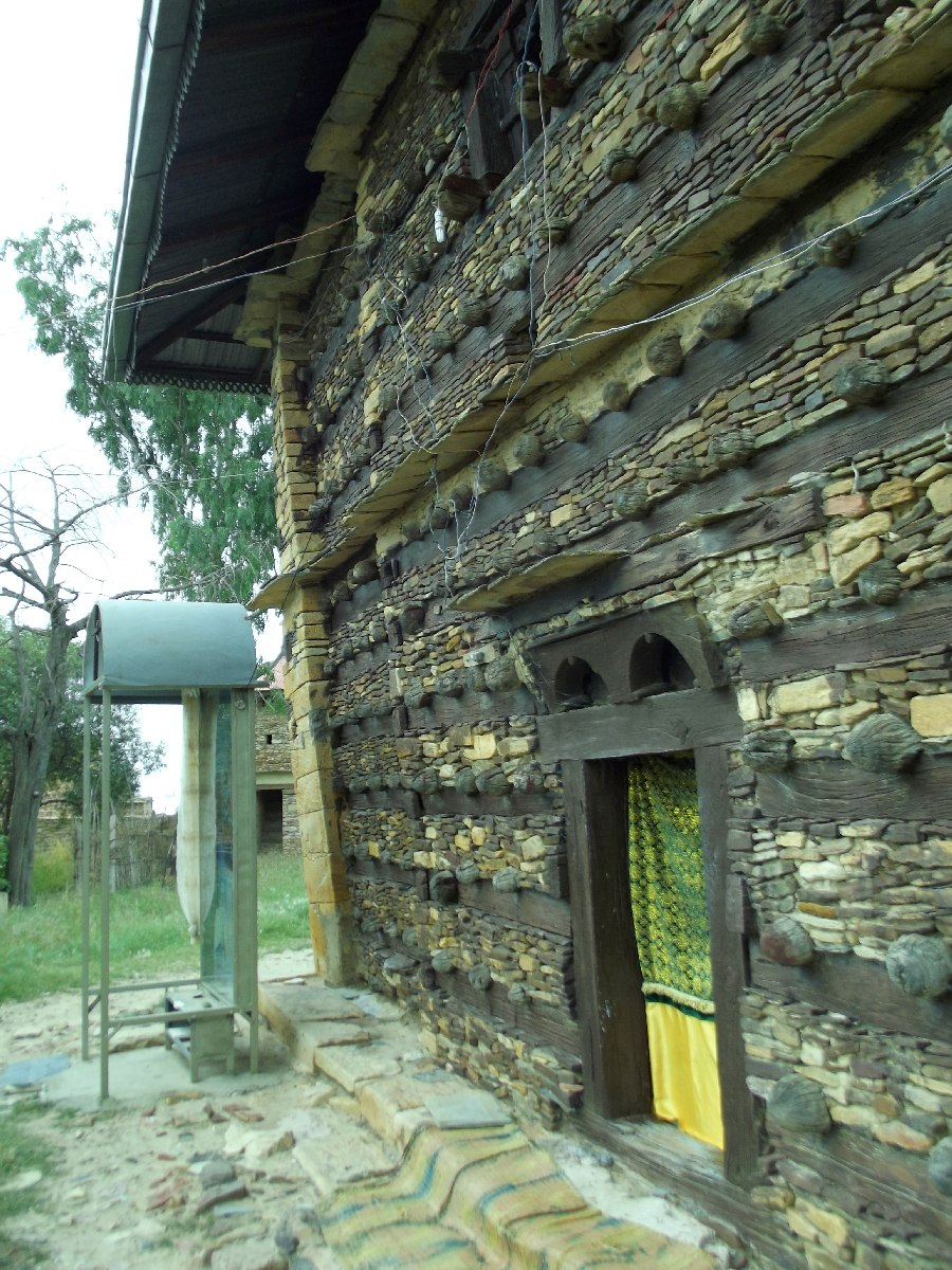 Voyage Séjour Road Trip Visite trekking et randonnée. Le monastère de Debre Damo en Ethiopie.  L'Eglise Abba Aregawi.
