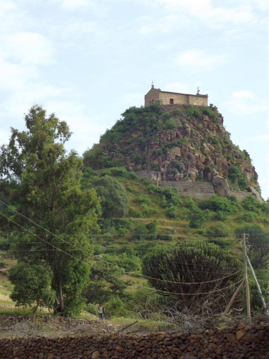 Le Monastère de Pantalewon. Trek, randonnée et visite d'Axum en Ethiopie. Autour d'Axum. Le monastère St Pantalewon