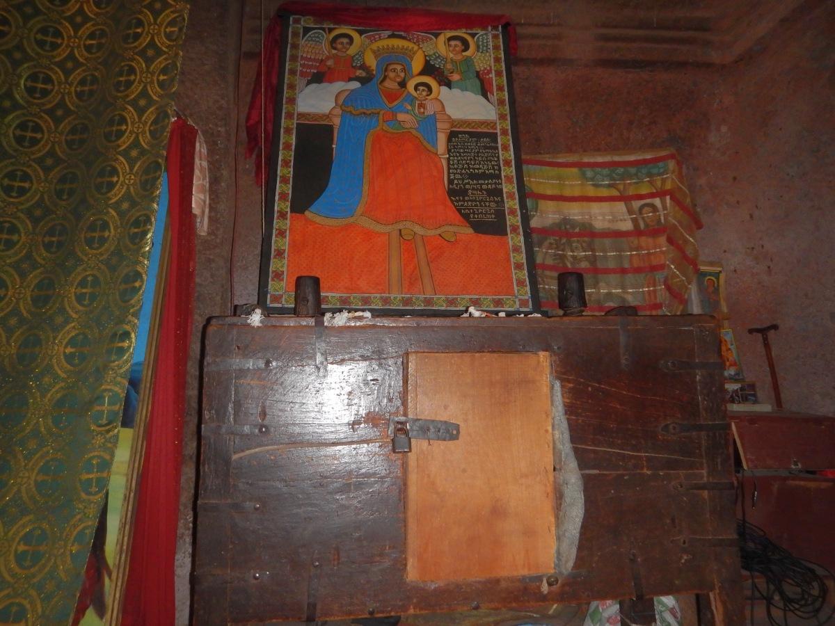 """La """"Boite"""" aux Secrets du Roi Lalibela. Visite de l'église St Georges /  Beta Ghiorgis de Lalibela en Ethiopie  Trek à  Lalibela Voyage Séjour Trekking Randonnée Road Trip en Ethiopie."""