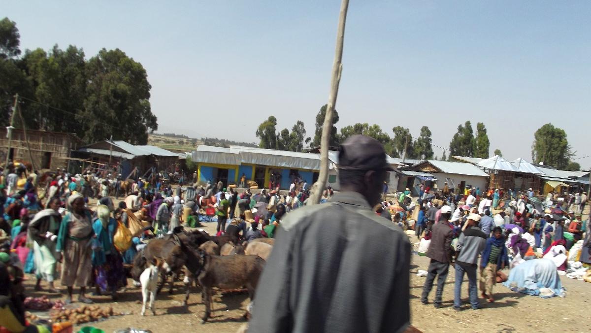 Le marché d'Adadi / The Adadi market. Voyage Séjour Trek et randonnée, Road trip et visite de la Région Oromia en Ethiopie.  Adadi.