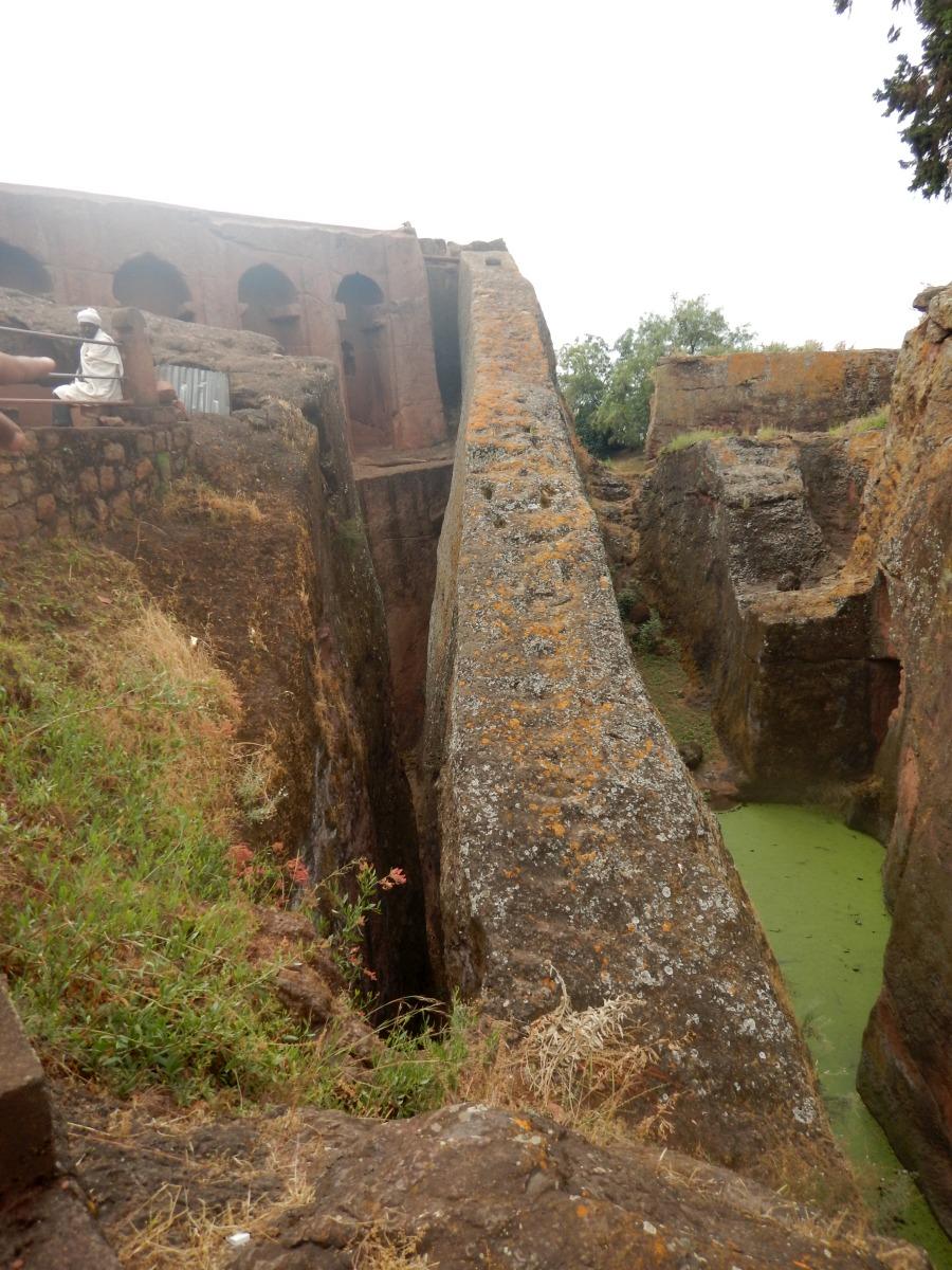 Le mur de la Foi. Trek, randonnée autour des églises monolithiques  de Lalibela en Ethiopie Trek à  Lalibela Voyage Séjour Trekking Randonnée Road Trip en Ethiopie.