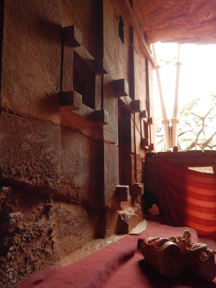 Visite de l'Eglise Beta Aba Libanos de à Lalibela en Ethiopie Trek à  Lalibela Voyage Séjour Trekking Randonnée Road Trip en Ethiopie.