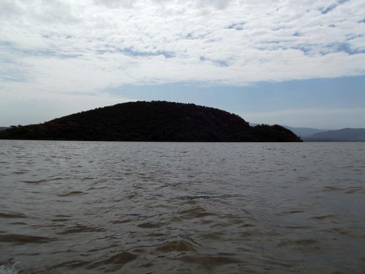 L'Ile Tortue, réserve d'oiseaux. Le Lac Chamo en Ethiopie. Voyage Séjour Trek Trekking Randonnée Road Trip en Ethiopie Visite de la Vallée de l'Omo en Ethiopie.