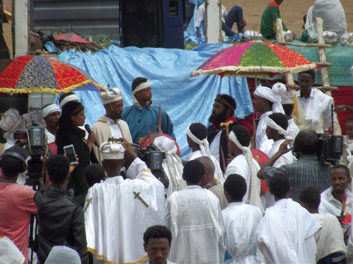 Voyage, séjour, Road Trip, Trekking, randonnée visite d'Adigrat en Ethiopie. Célébration de la fête de Meskel.Trek, randonnée et visite d'Adigrat en Ethiopie. Célébration de la fête de Meskel.