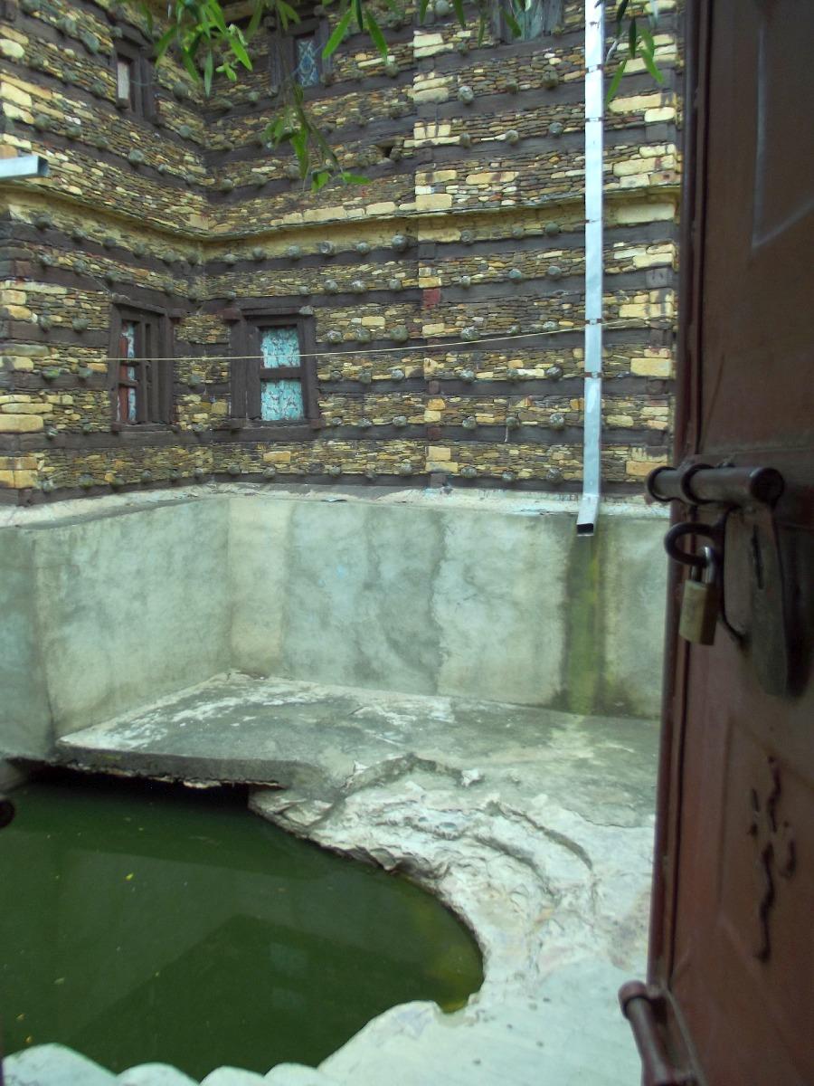 La source bénite de Debre Damo gardée à l'écart des farenjies