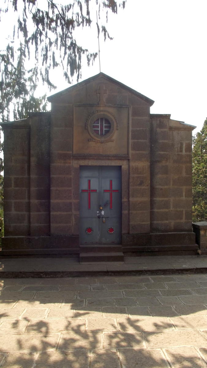 Le Mausolé de Taitu. Visite de l'église Sainte Maryam d'Entoto d'Addis Abeba en Ethiopie.
