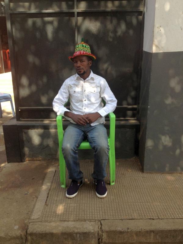 Un ami dorzé guide coiffé du chapeau Dorzé. Voyage Séjour Trek Trekking Randonnée Road Trip en Ethiopie Visite de la Vallée de l'Omo en Ethiopie Arba Minch