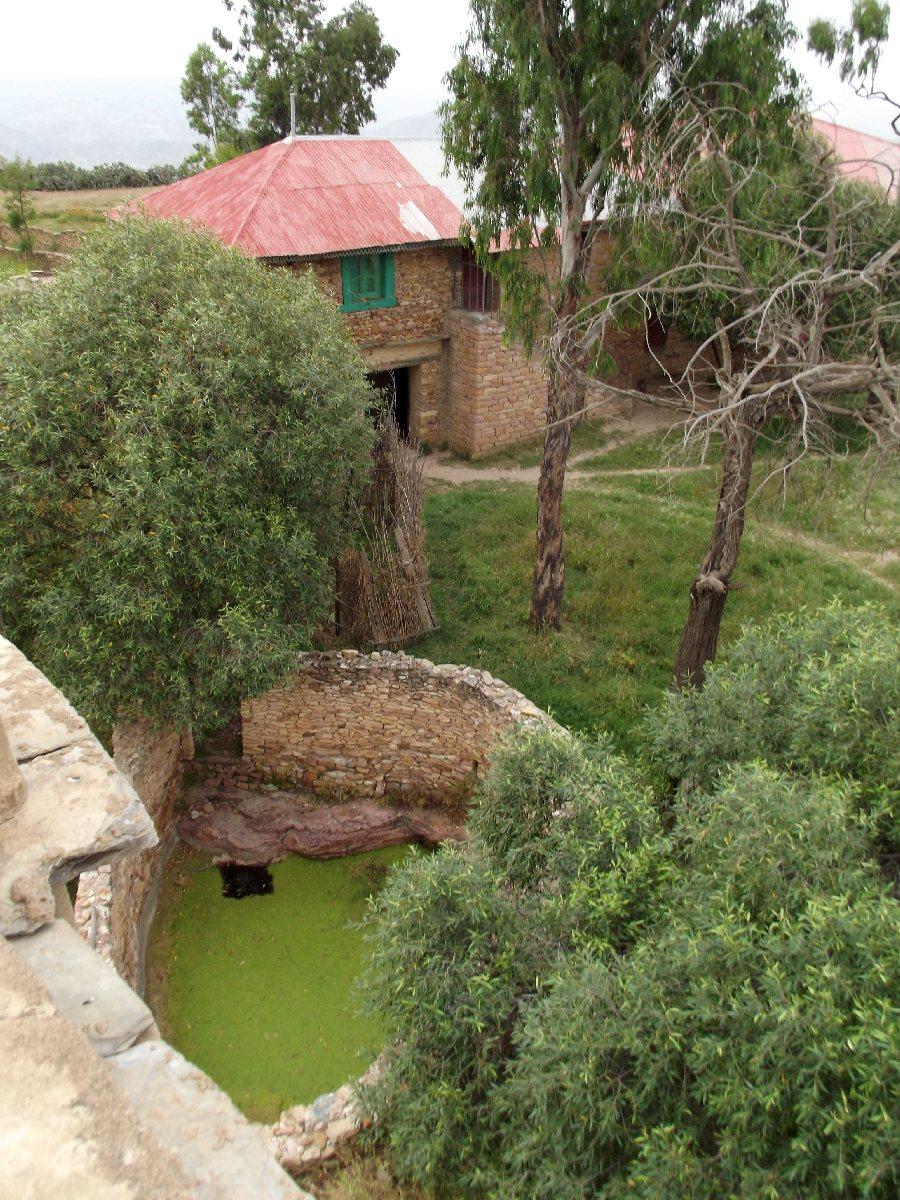 Vue du minaret sur les retraites des moines. Voyage Séjour Road Trip Visite trekking et randonnée au monastère Debre Damo en Ethiopie.