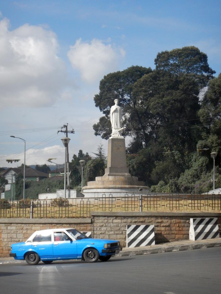 Sculpture d'Abuna Petros à Addis Abeba en Ethiopie. Sculpteurs éthiopiens.