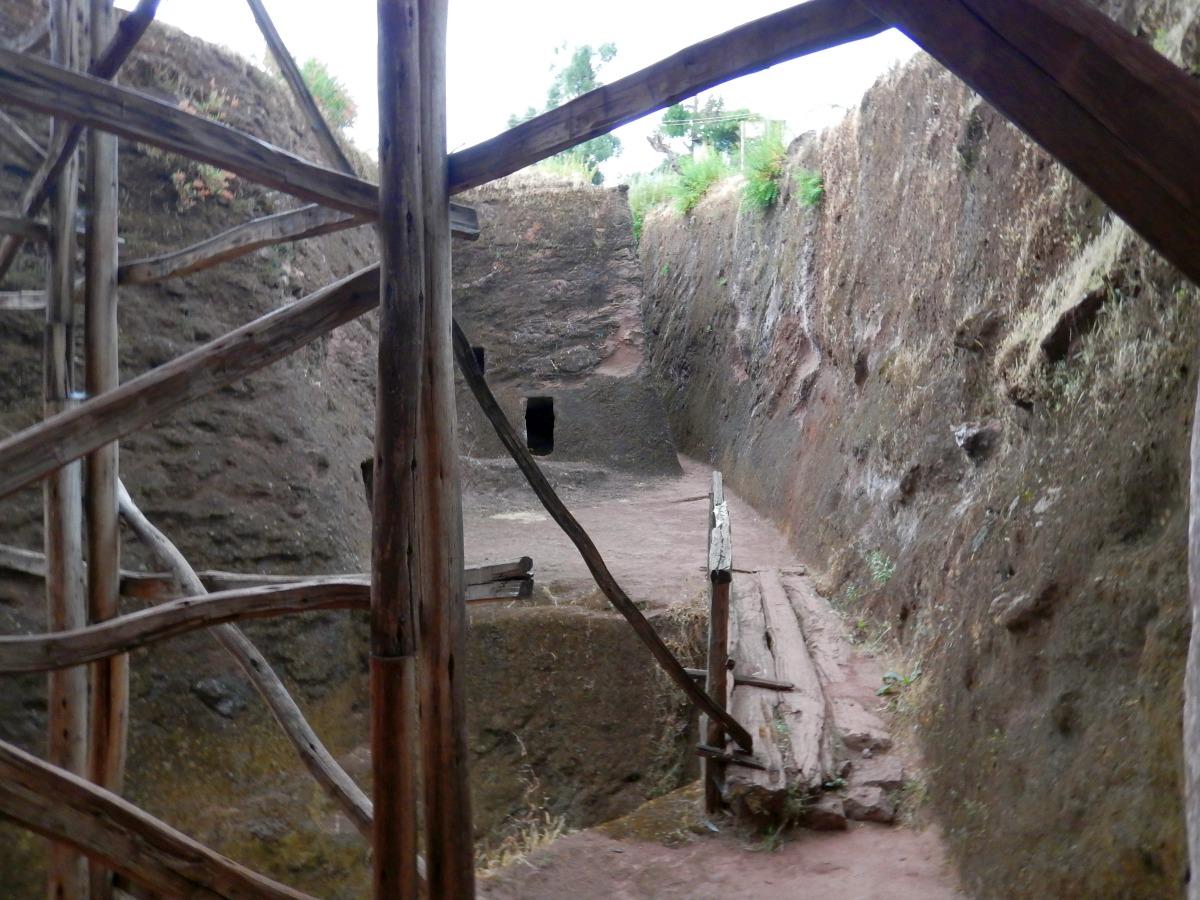 Visite de L'Eglise Bet Lehem à Lalibela en Ethiopie Trek à  Lalibela Voyage Séjour Trekking Randonnée Road Trip en Ethiopie.