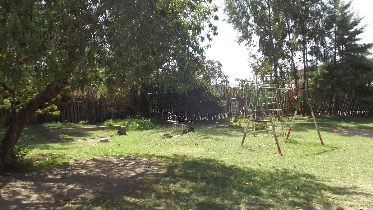 Voyage Trek et randonnée, Road trip et visite de la Région Oromia en Ethiopie. Shashamane. Yawenta Children's centerVoyage Trek et randonnée, Road trip et visite de la Région Oromia en Ethiopie. Shashamane. Yawenta Children's center