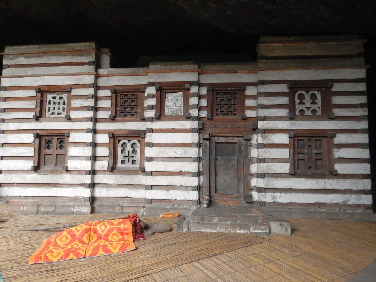 L'église de Yemrehanna Kristos, une oeuvre d'art. Trek à  Lalibela Voyage Séjour Trekking Randonnée Road Trip en Ethiopie.