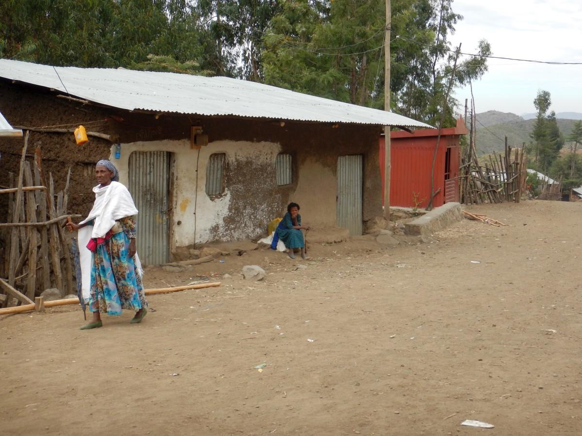 Voyage Séjour Road Trip Trek Trekking Randonnée à Lalibela en Ethiopie. Sur la route de l'Eglise Yemrehanna Kristos en Ethiopie.
