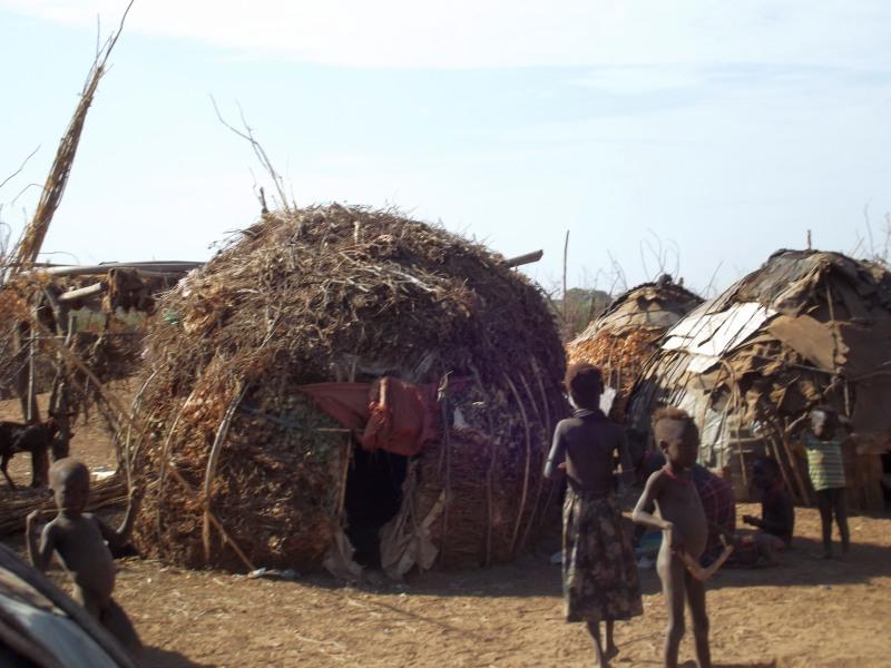 Omorate l'ethnie Dassanech. Voyage Séjour Trek Trekking Randonnée Road Trip en Ethiopie Visite de la Vallée de l'Omo en Ethiopie.