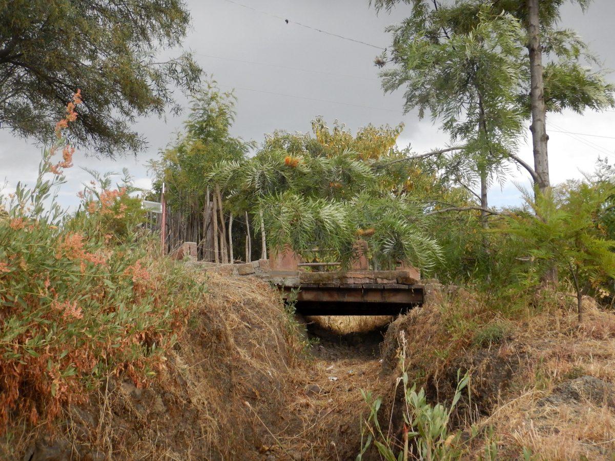 The Jordan River at Lalibela. La rivière du Jourdain à Lalibela. Autour des Eglises monolithiques Tawahedo de Lalibela en Ethiopie Trek à  Lalibela Voyage Séjour Trekking Randonnée Road Trip en Ethiopie.