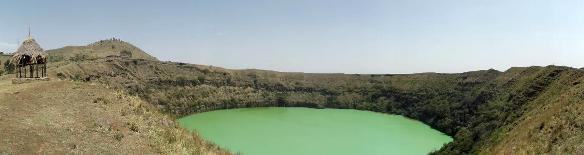 The Lake Ara Shetan, Oromia, Ethiopia. Voyage Séjour Trek et randonnée, Road trip et visite de la Région Oromia en Ethiopie. Le Lac Ara Shetan