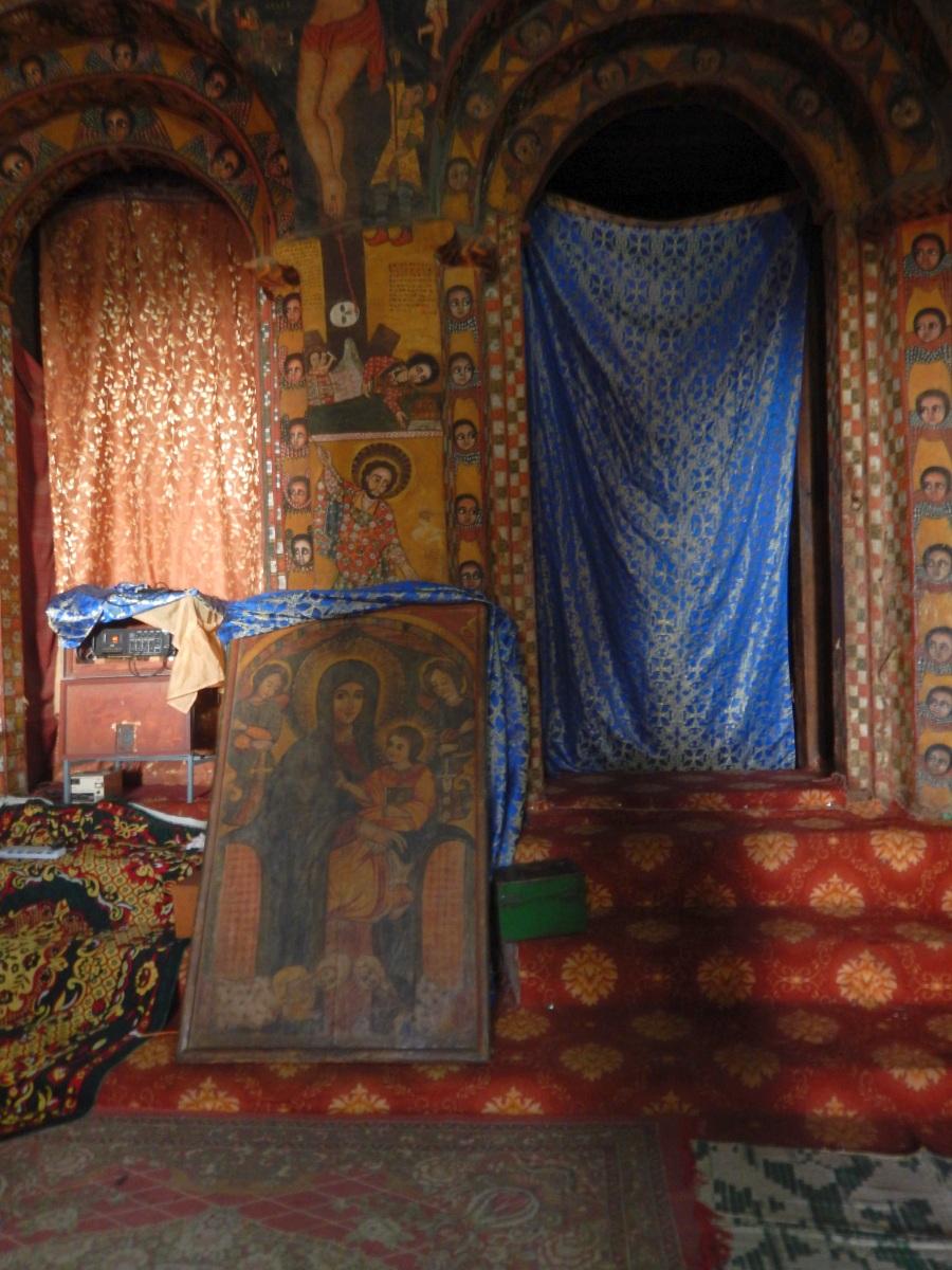 Marie et son fils. Voyage Séjour Road Trip Trek Trekking Randonnée en Ethiopie. Visite de Gondar en Ethiopie. L'Eglise Debre Birham Selassie de Gondar