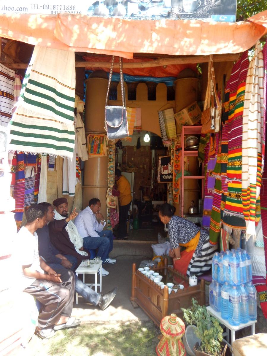 Une Buna Bet. Voyage Séjour Road Trip Trek Trekking Randonnée en Ethiopie. Gondar en Ethiopie, la ville et ses faubourgs