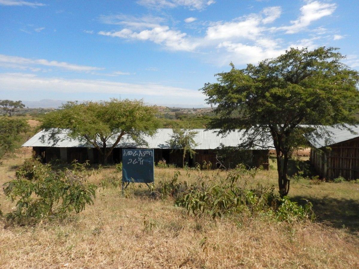 L'entrée du Village Araw Amba. Trek, randonnée et visite de la communauté Awra Amba en Ethiopie.