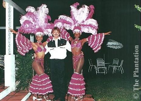"""... mit den bekannten karibischen Tänzerinnen vom internationalen Show - Theater """"The Plantation"""" auf Barbados"""