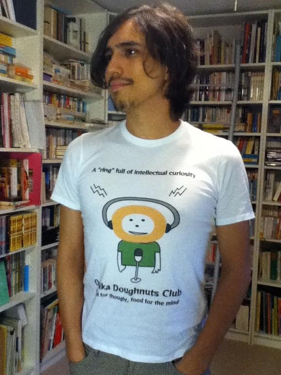 ドーナッツDJのTシャツ