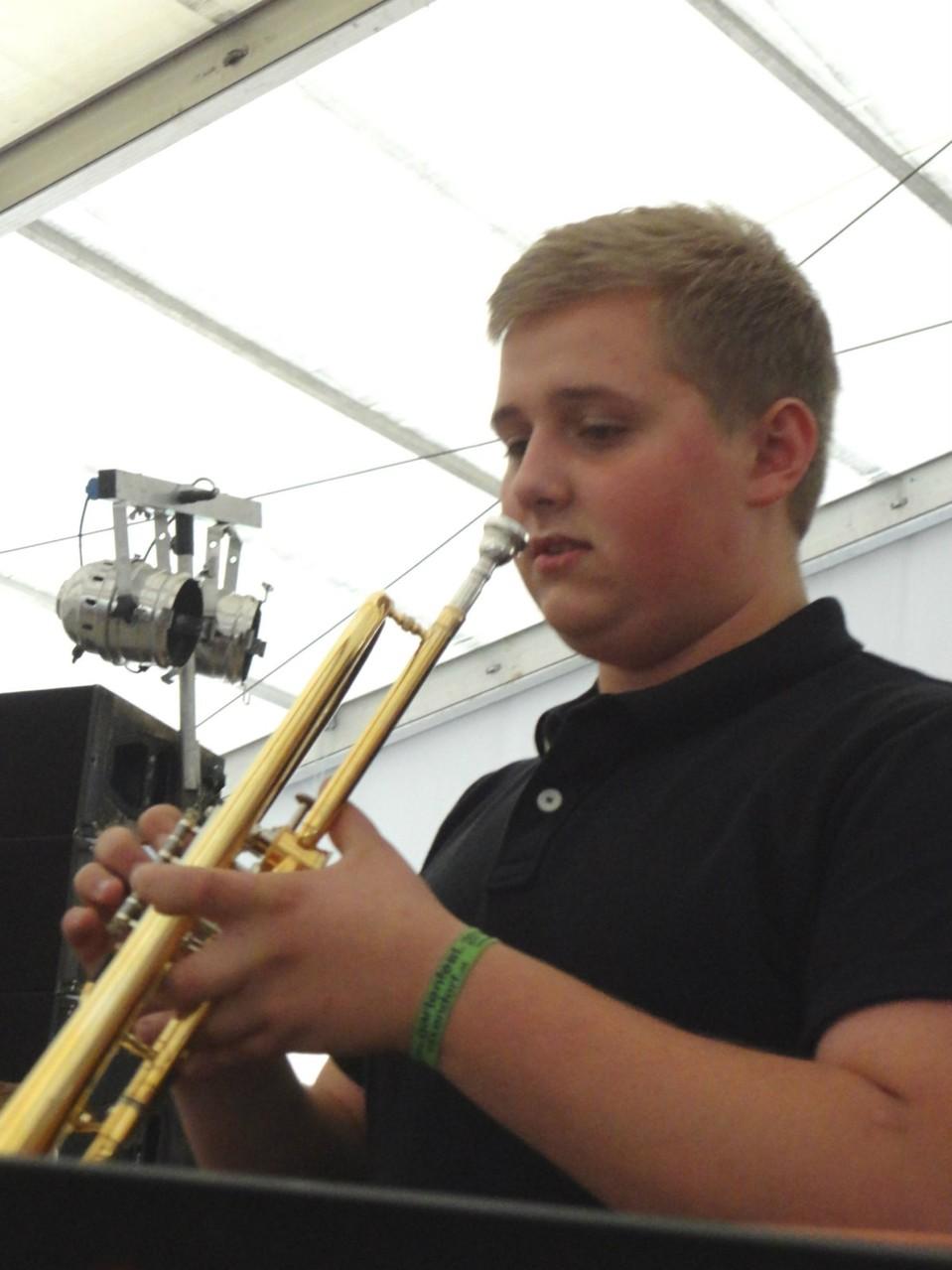 Christian Bauer, unser ehemaliger Trompeter springt für die verhinderte Lisa ein.