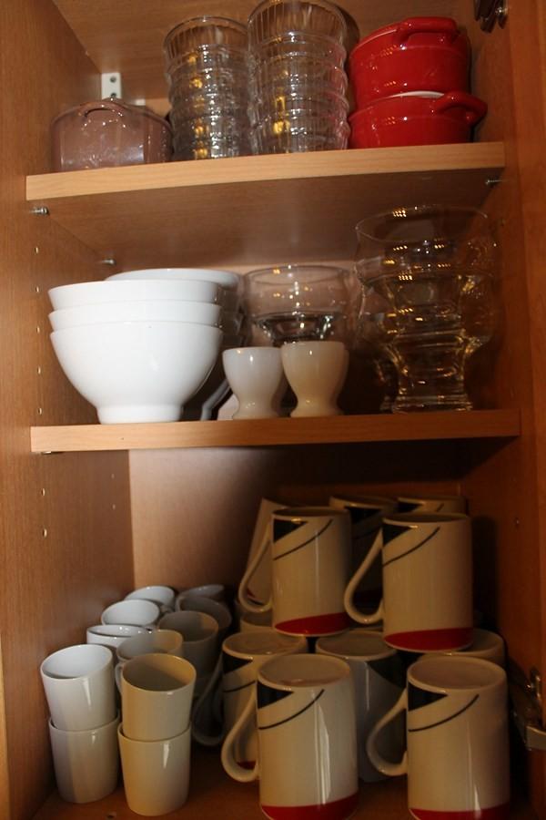 Bols, mugs, tasse à café, coquetier, ramequins,8 mini cocottes