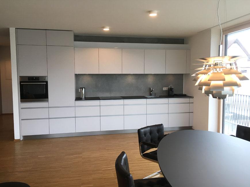 Küchenzeile im Wohn-, Essbereich