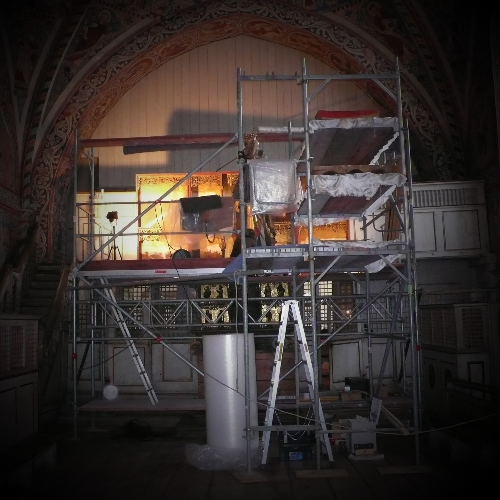 Während Restaurierungsmaßnahmen am Marienaltar (1519), Nonnenempore Kloster Wienhausen