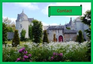 devant le Chateau de la Touche Trebry