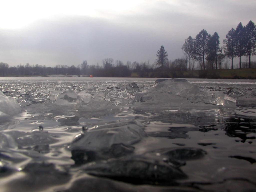 Abtauchen unters Eis