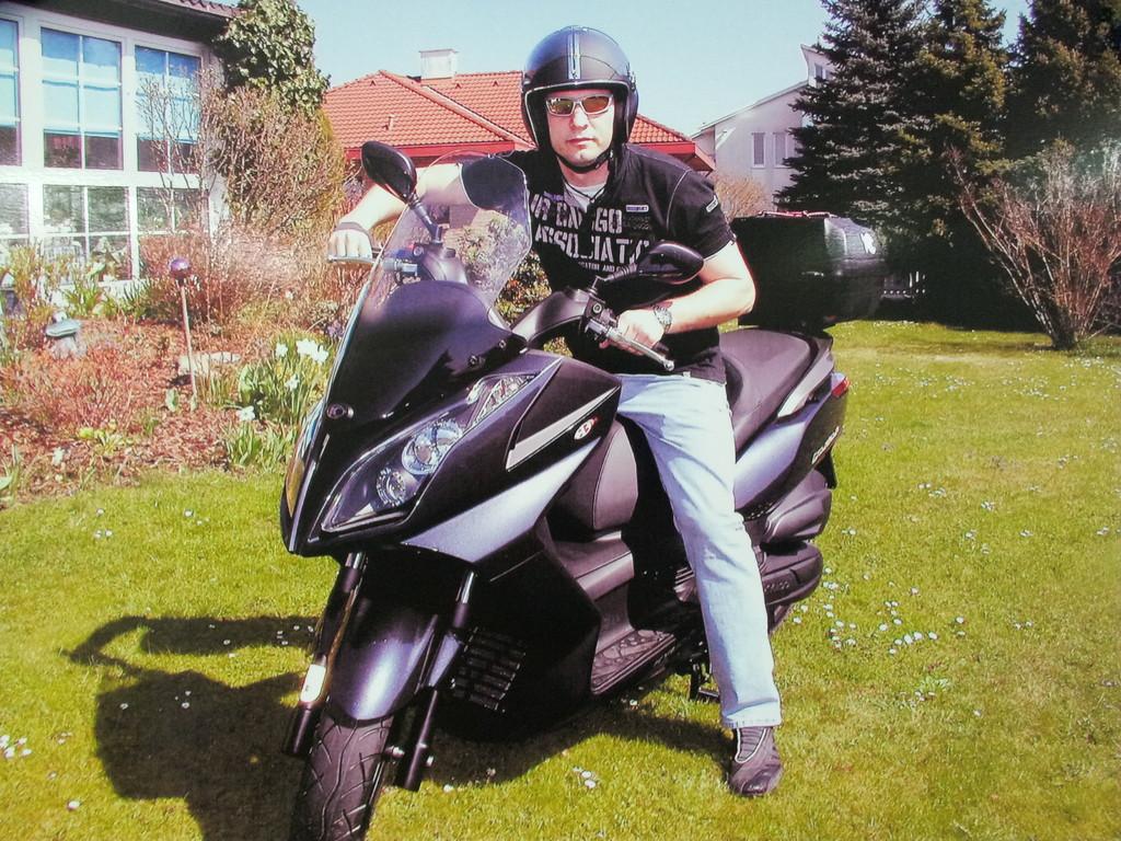 Ich mit meinem neuen Motorroller