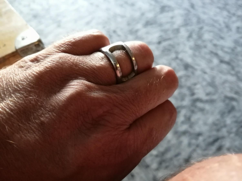 … Träger des heiligen Corona-Rings :-)