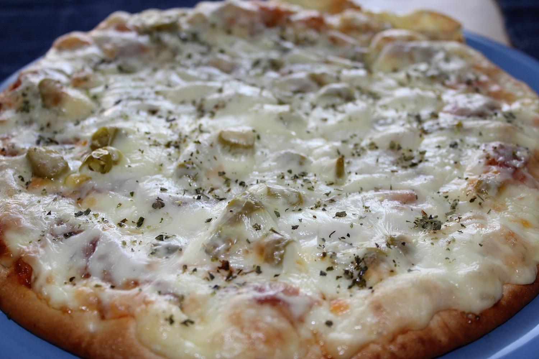 Sonst gab es lecker italienische Pizza mit …