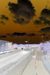 Dieses Bild von Thorsten Hülsberg zeigt einen apokalyptischen Blick über Leverkusen in Richtung des Katastrophenorts.