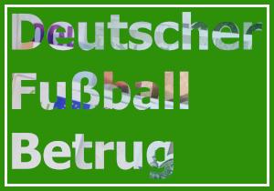 Dieses Bild von Thorsten Hülsberg zeigt die aus Geld ausgeschnittenen Worte Deutscher Fußball Betrug in drei Zeilen auf einem für den BALLacker typischen Untergrund.