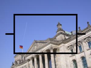 Dieses Bild von Thorsten Hülsberg zeigt eine Farbfotografie des Reichstages in Berlin überlagt von einem Symbol des Widerstands.