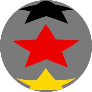 Dieses Bild von Thorsten Hülsberg zeigt eine graue Kugel mit drei Sternen in den deutschen Nationalfarben darauf.