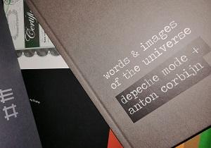 Die Farbfotografie von Thorsten Hülsberg zeigt die SOTU-Box von Depeche Mode im Ausschnitt.