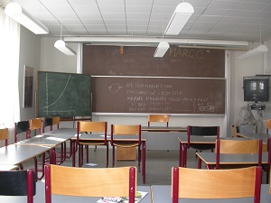 Auf diesem Farbfoto von Thorsten Hülsberg sieht man ein dänisches Klassenzimmer.