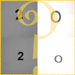 Diese quadratische Collage in Grautönen von Thorsten Hülsberg zeigt eine 2020 im Goldrahmen und über der Jahreszahl steht ein halbdeckendes, goldenes Fragezeichen.