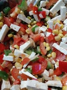 Diese Farbfotografie von Thorsten Hülsberg zeigt einen bunten Salat.