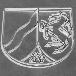 Diese invertierte Schwarzweißfotografie von Thorsten Hülsberg zeigt das Wappen von Nordrhein-Westfalen.