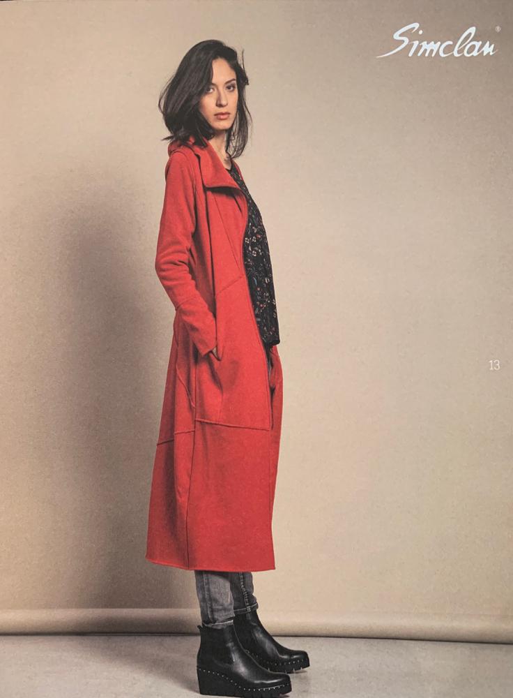 Kuscheliger langer Mantel mit weichem Teddy-Innenleben in rot und schwarz