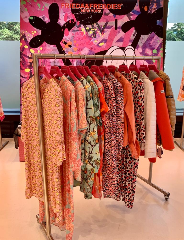 Kleid und Shirt im Djungel-Print FRIEDA